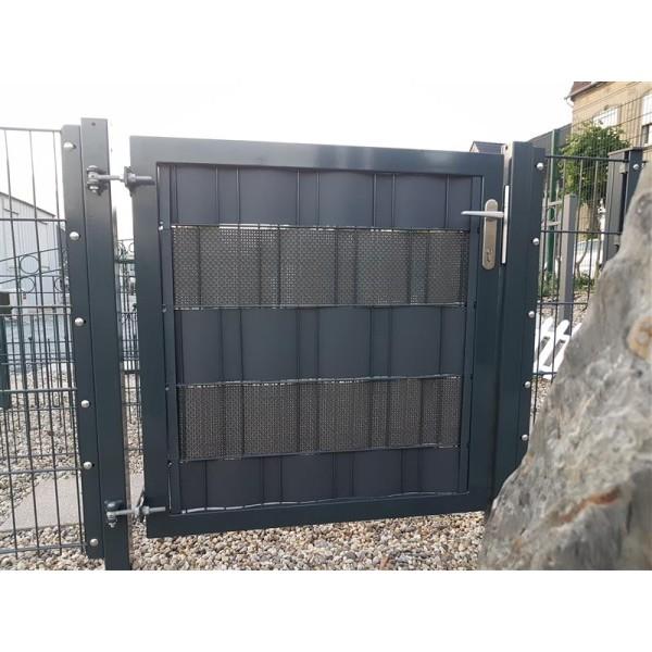 sichtschutzzaun kunststoff klemme sichtschutz befestigungsprofil cl. Black Bedroom Furniture Sets. Home Design Ideas