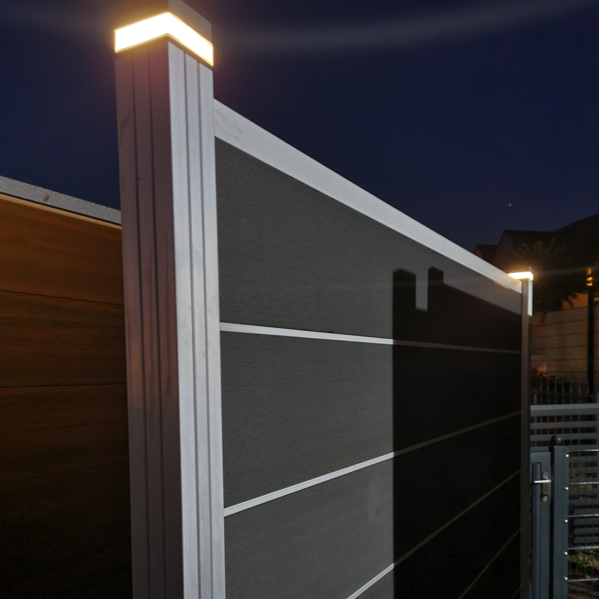 Color : White Lighting Solarpfostenkappen Licht Zaun Lampe Landschaft Licht-Garten-Pfostenkappe Leuchte Au/ßen Weg Deck Platz Dekor-Nachttischlampe 3,5x3,5 Holz Beitr/äge Schwarz